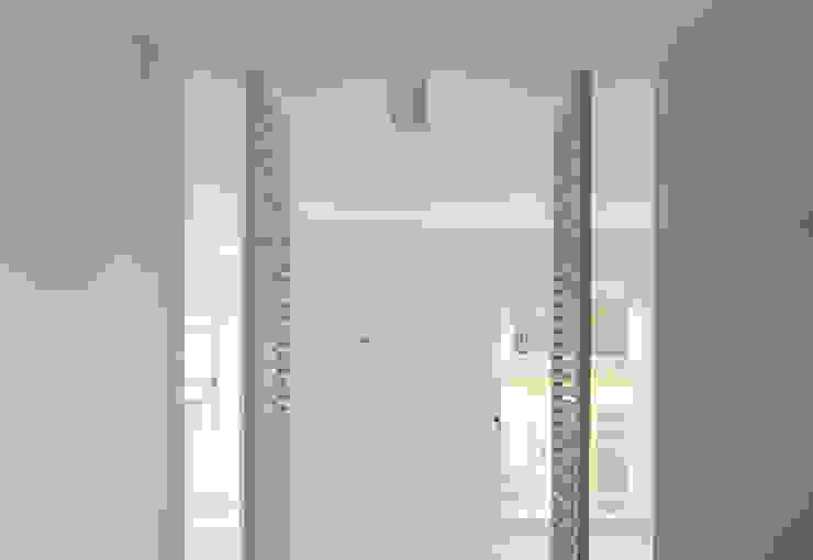 CASA V di SMN Studio di Architettura Minimalista