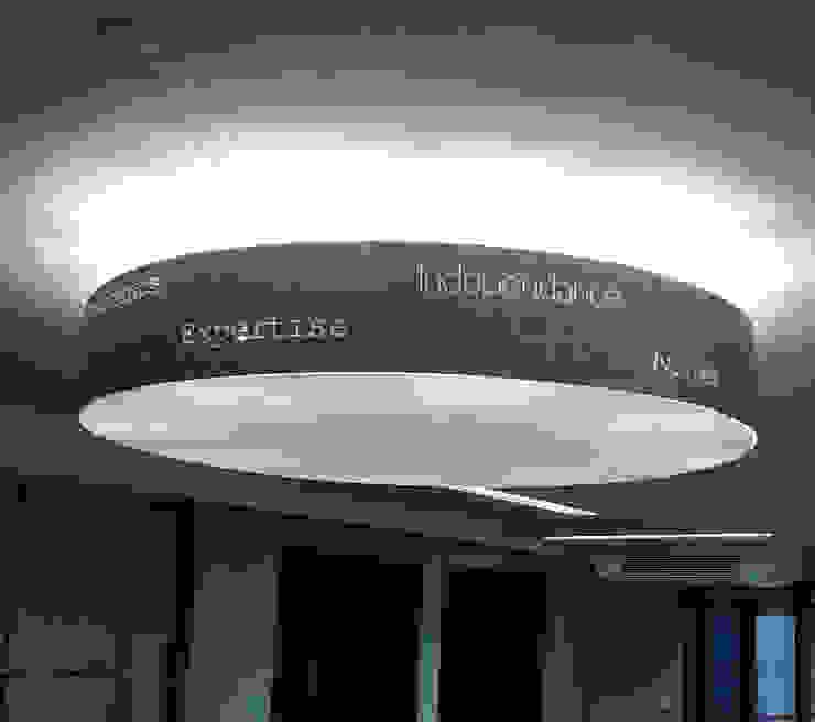 Suspension par elsa somano objets lumineux Moderne