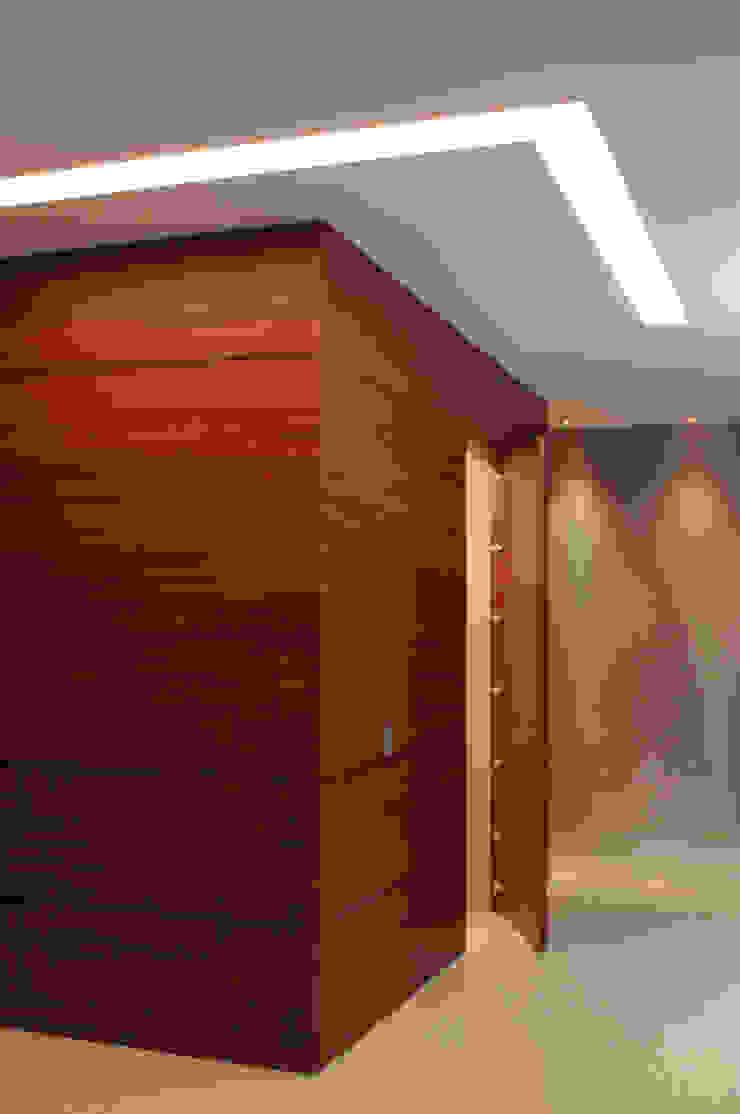 Hall Recámaras ArquitectosERRE Pasillos, vestíbulos y escaleras de estilo moderno