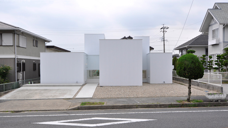 N HOUSE モダンな 家 の D.I.G Architects モダン