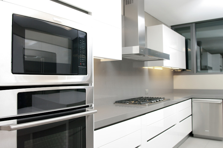 Cocina Cocinas modernas de ArquitectosERRE Moderno