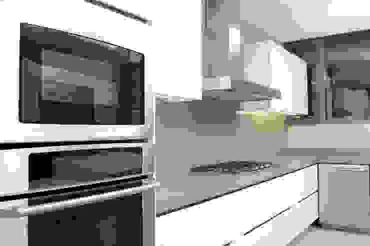 Cocina ArquitectosERRE Cocinas de estilo moderno