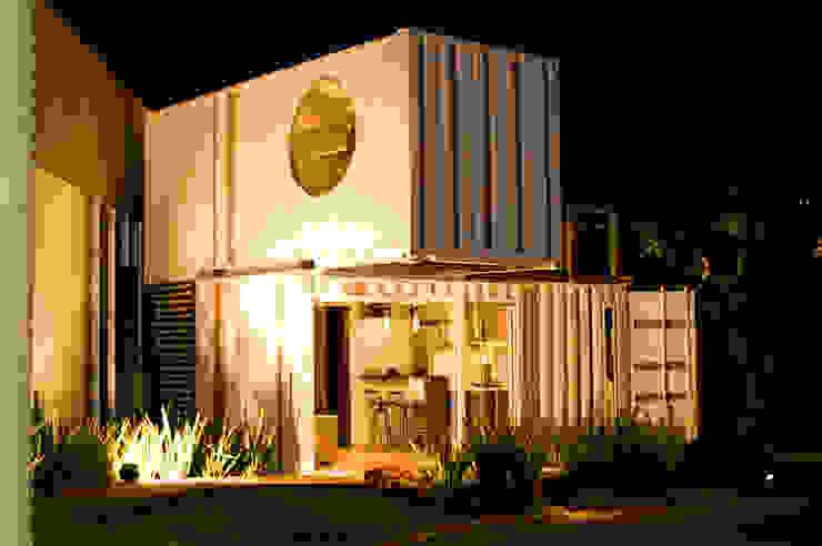 Minimalist house by Ferraro Habitat Minimalist