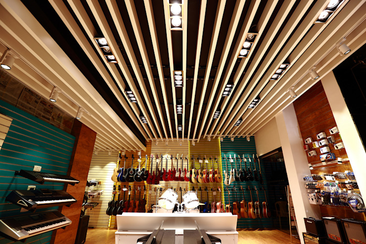 Sterling Music Modern offices & stores by sidharthninan Modern