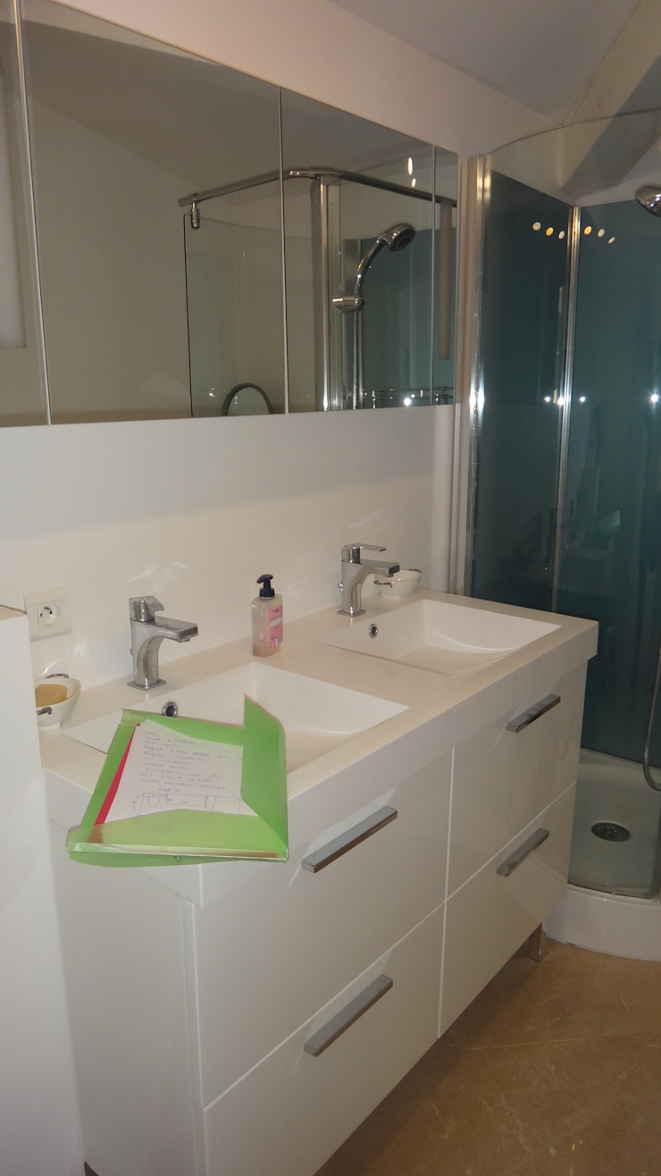 Renovation de salle de bains Salle de bain moderne par Elisabeth Hamard Architecte d'intérieur Moderne