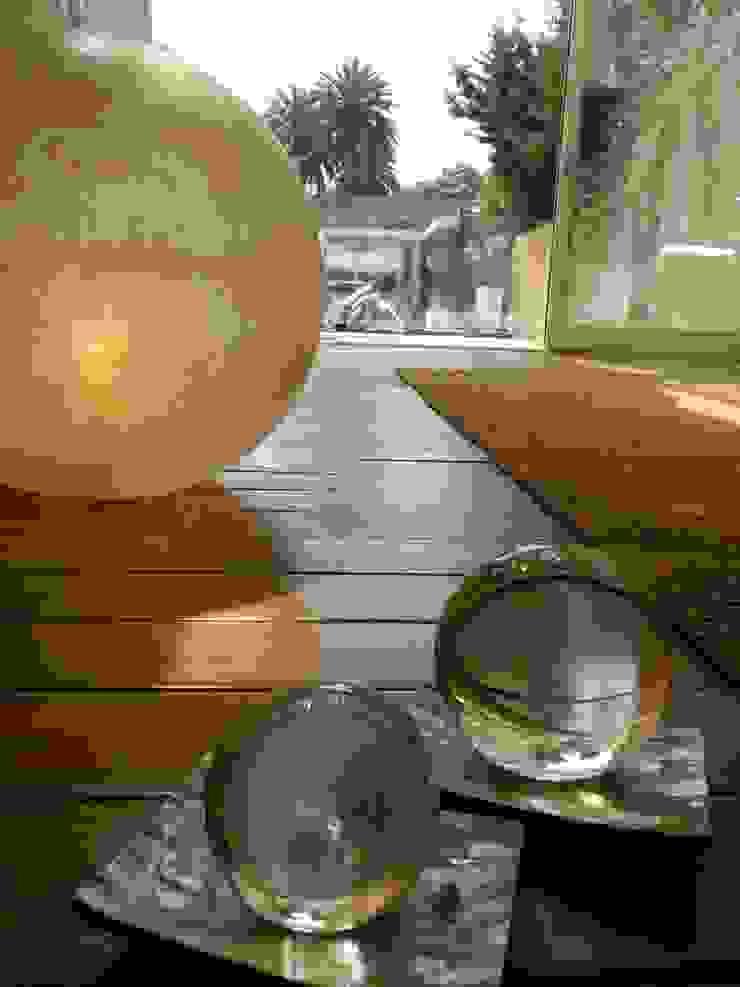 CASA CON PISCINA Pareti & Pavimenti in stile minimalista di Rosa Vetrano Architetto Minimalista