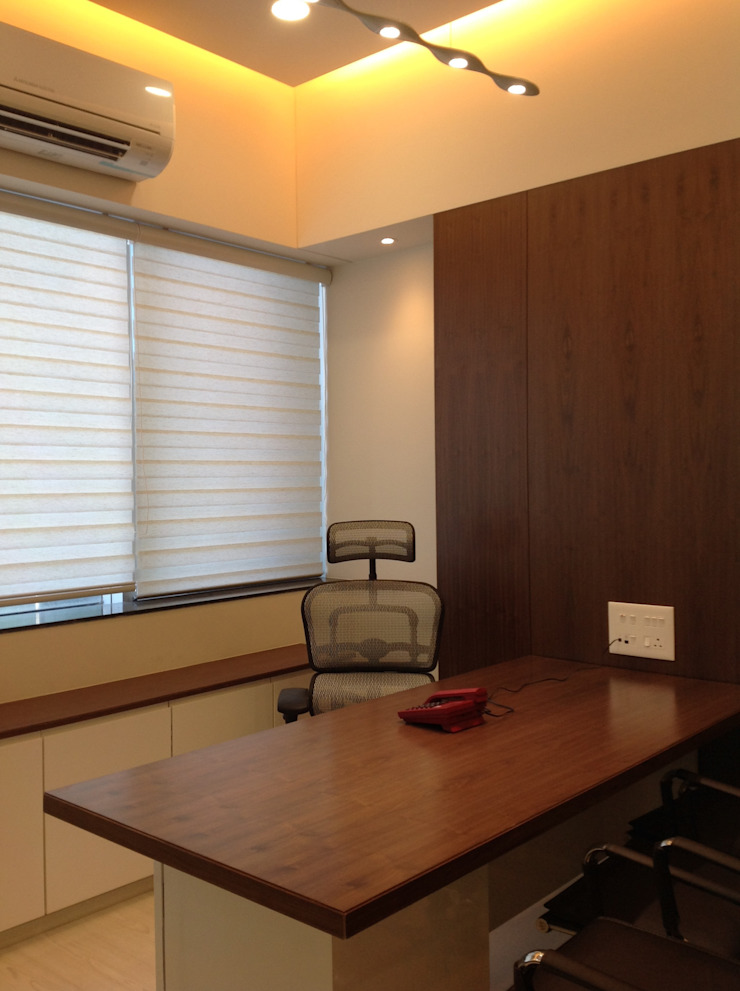 office at mumbai Study/office by Design Ecovation