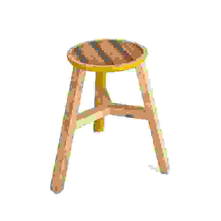 Mesas/ bancos Seven Little Helpers para Audiri por Maria Bruno Neo   Product Designer Moderno