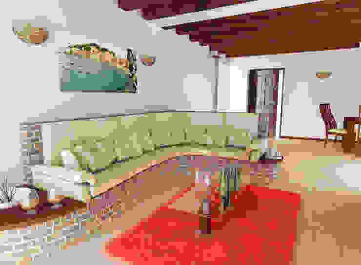 Taverna nelle alture di Sestri Levante Cantina in stile rustico di lorenzo ardito&lorenzoignaccolo Rustico
