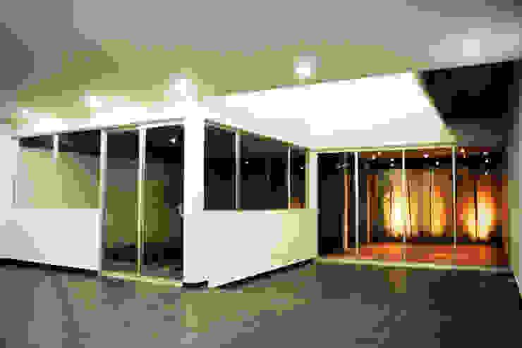 CASA VA_01:  de estilo  por Lopez Resendez STUDIO, Moderno