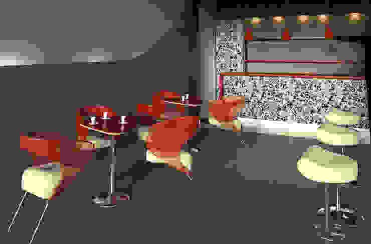Sedia e Tavolo da caffè di Claudia Casale Design Moderno