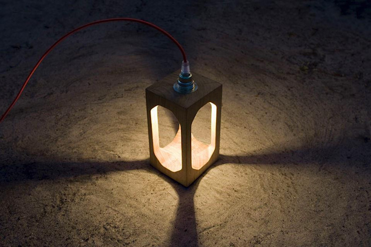 Luminaires blumen, Lampe Cubitto + Lantern bois massif par Blumen Minimaliste