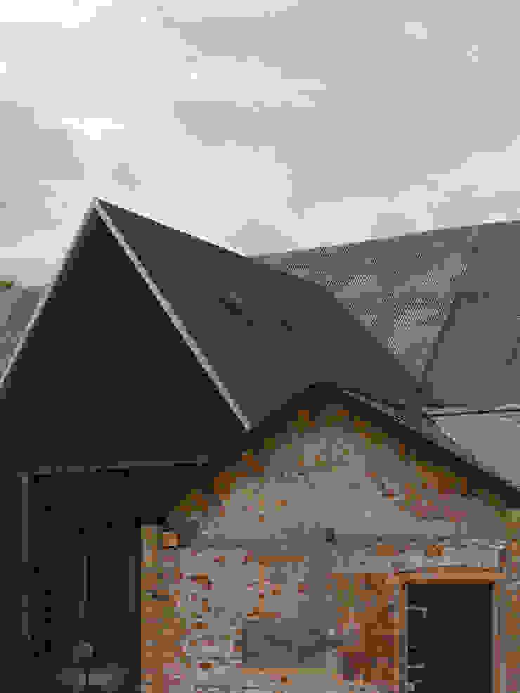 Feering Bury Farm Barn Industrial style windows & doors by Hudson Architects Industrial
