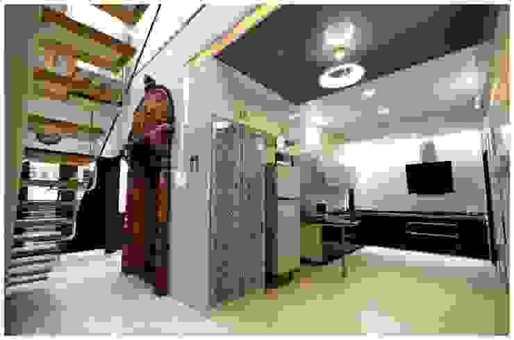SHANKAR RESIDENCE Modern houses by Synectics partners Modern