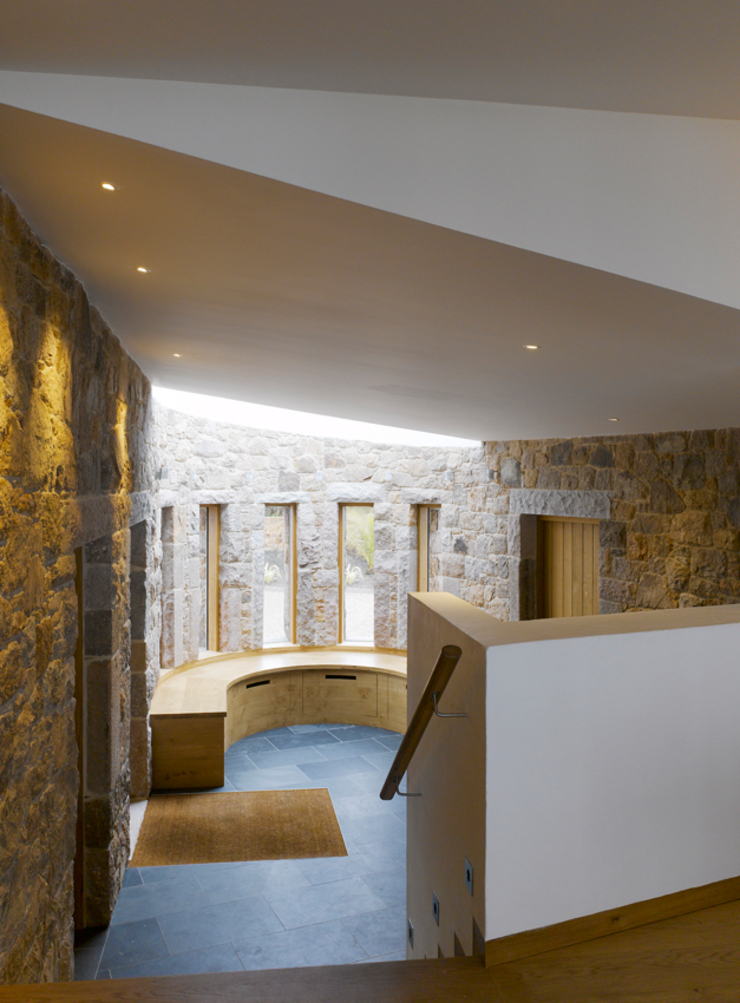 Jersey House Modern Corridor, Hallway and Staircase by Hudson Architects Modern