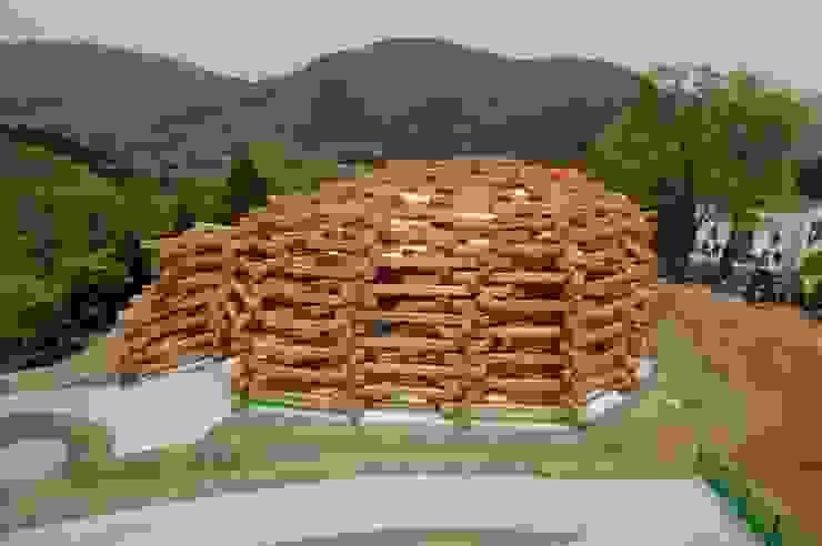 ネットの森 モダンなイベント会場 の TEZUKA ARCHITECTS モダン