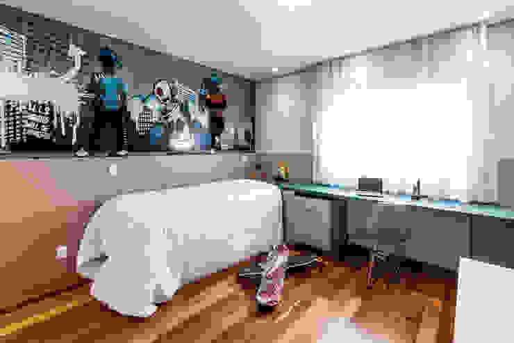Dormitorios modernos de Tikkanen arquitetura Moderno