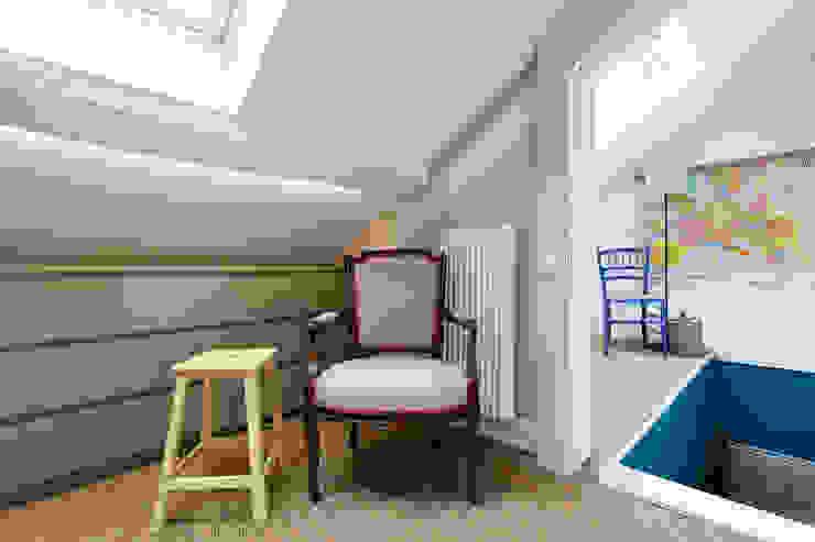 Appartement à Versailles Maisons classiques par ATELIER COSTE ET BUTIN Classique