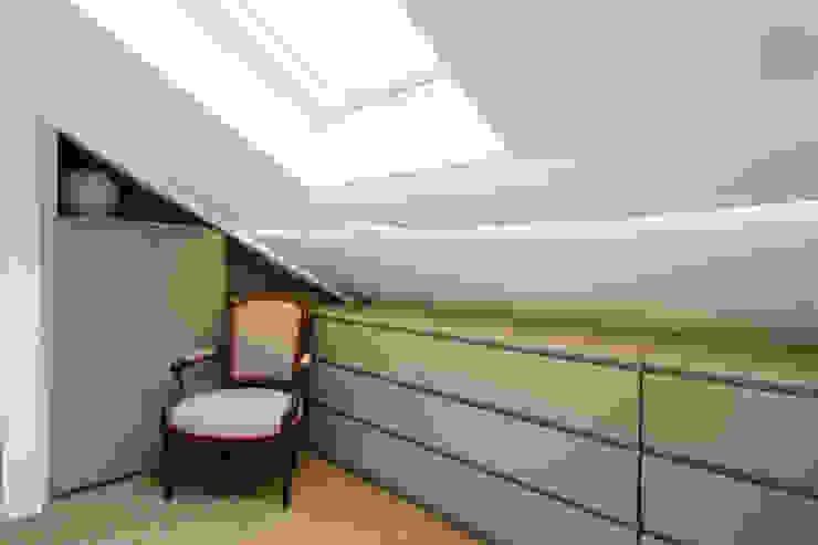 Casas de estilo clásico de ATELIER COSTE ET BUTIN Clásico