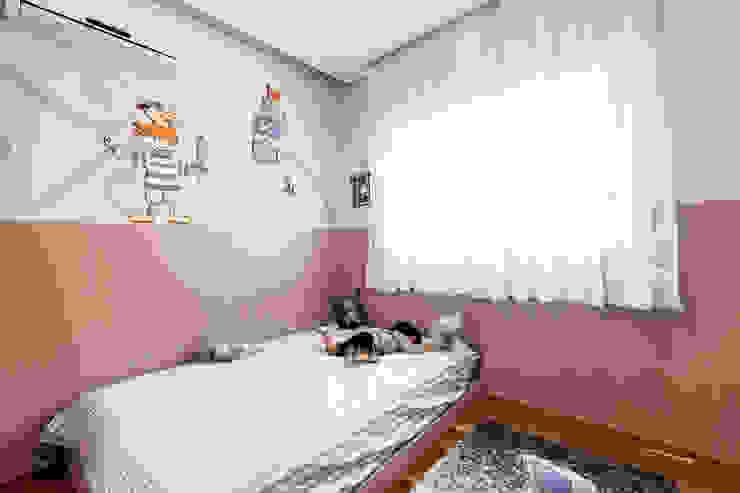 Jd. Marajoara Quarto infantil moderno por Tikkanen arquitetura Moderno