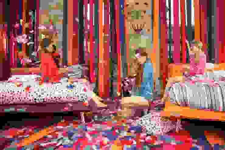 Natuzzi Italia Bed Collection launch with Vogue Italia. de NATUZZI - Andares Guadalajara Moderno