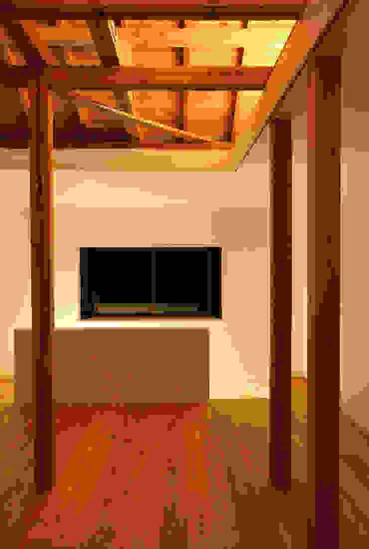 House K Modern Living Room by kosuke sakai & associates Modern