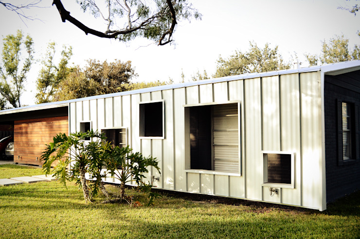 modern  by Lopez Resendez STUDIO, Modern