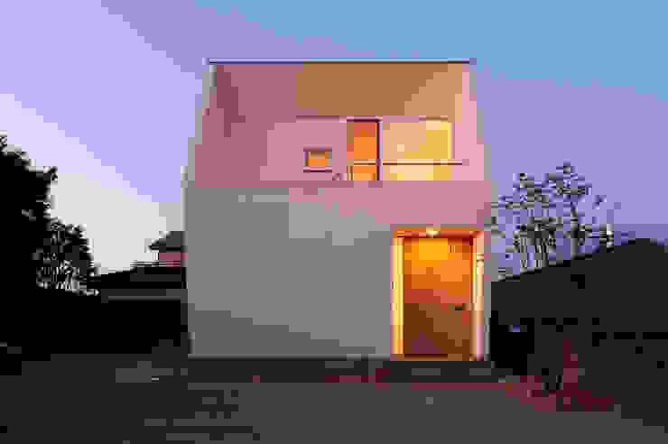 Projekty,  Domy zaprojektowane przez LIC・山本建築設計事務所, Nowoczesny
