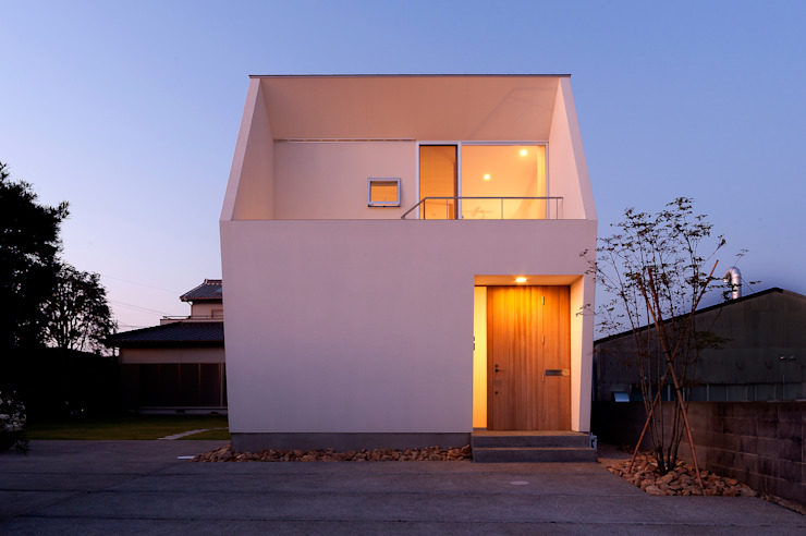 Houses by LIC・山本建築設計事務所, Modern