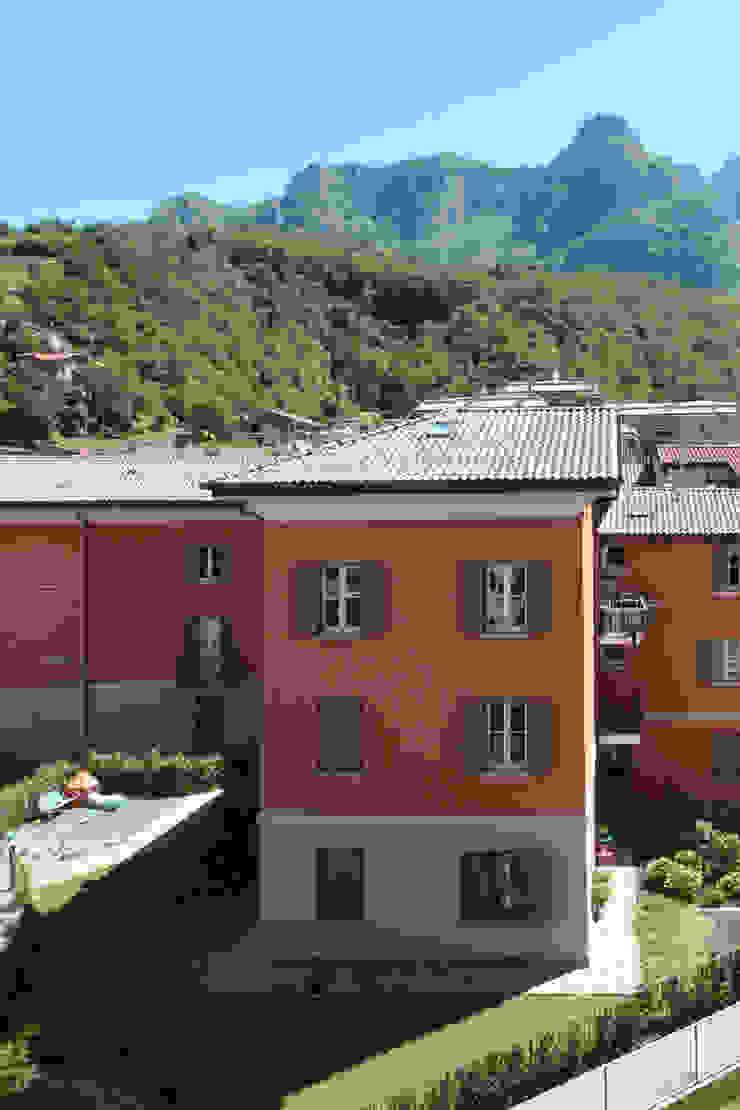 Vista sul complesso Residenziale Villa Gardenia di Schiavi S.p.A. Moderno
