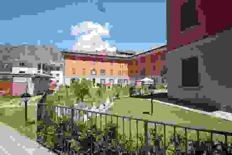 Complesso Residenziale Villa Gardenia di Schiavi S.p.A. Moderno