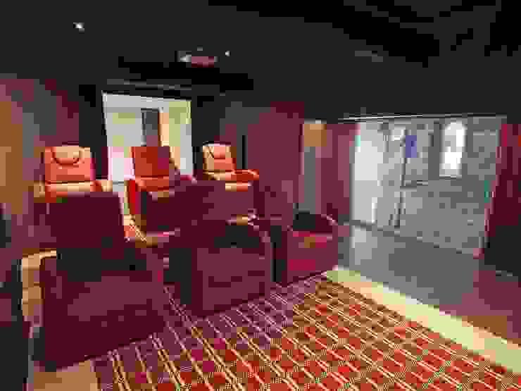 Movie room di Architetti ABC Moderno