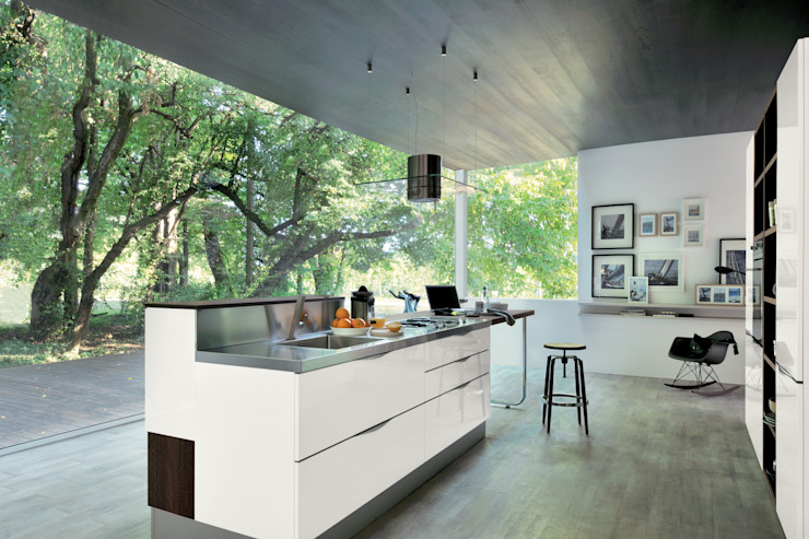 Extra Veneta Cucine S.p.A. ห้องครัวตู้เก็บของและชั้นวางของ