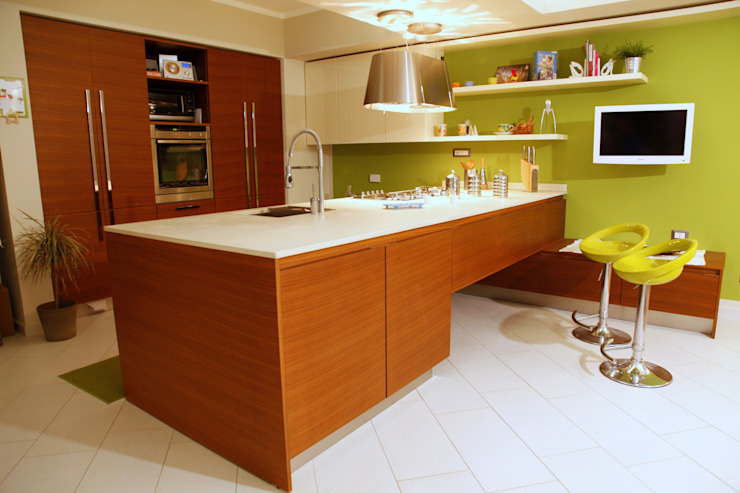 zona cucina Case moderne di Architetto Monica Becchio Moderno
