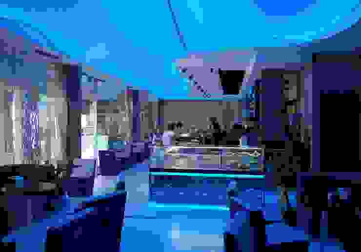 My Way Lounge Bar Negozi & Locali commerciali moderni di C-Design Moderno