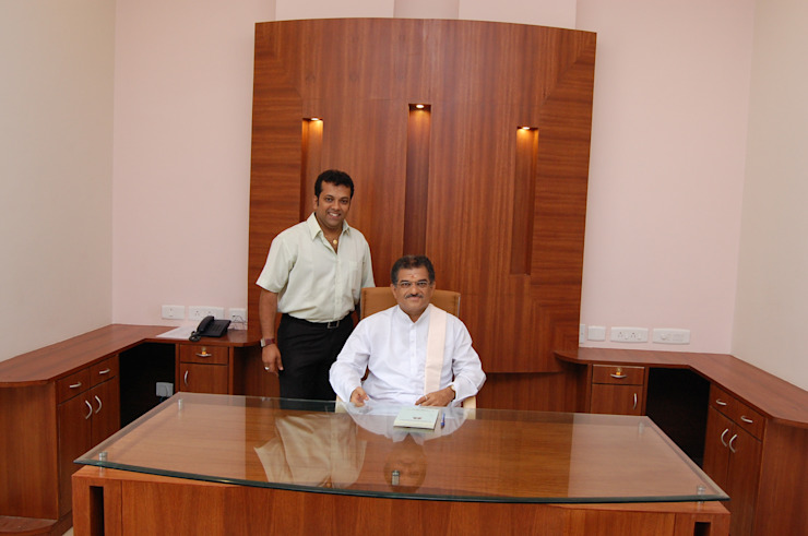 Diinesh with Sri Dharmasthala Veerendra Heggadeji Classic style media room by Architecture Interior Co. Pvt. Ltd Classic