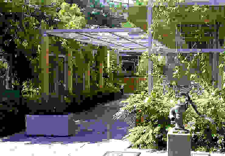 Jardines de estilo moderno de ユミラ建築設計室 Moderno