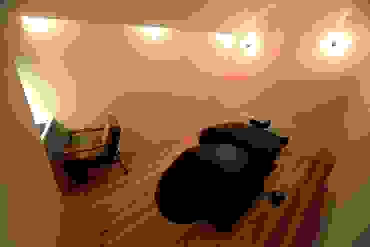 YARD. (美容室) ミニマルスタイルな 壁&床 の ニュートラル建築設計事務所 ミニマル