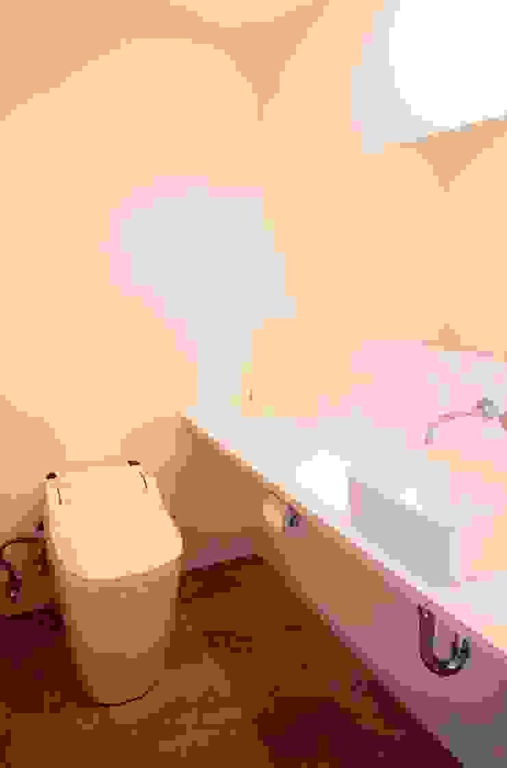 YARD. (美容室) ミニマルスタイルの お風呂・バスルーム の ニュートラル建築設計事務所 ミニマル