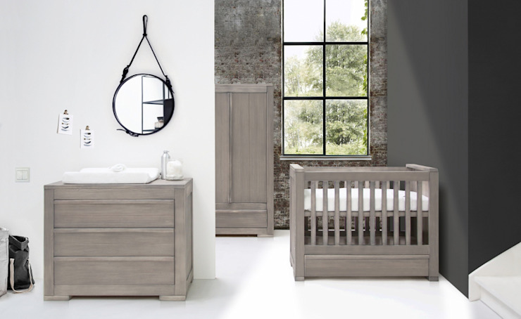 Nature Grey Nursery Furniture set van Adorable Tots Klassiek