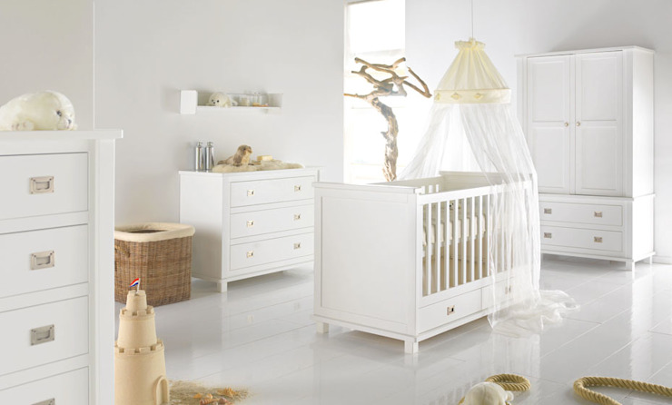 Shakery Nursery Furniture set por Adorable Tots Clássico