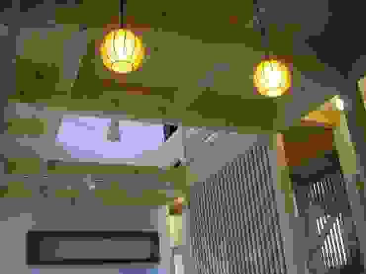 安曇野に薫る和(輪)の家 カントリーデザインの リビング の 設計室a‐ray カントリー
