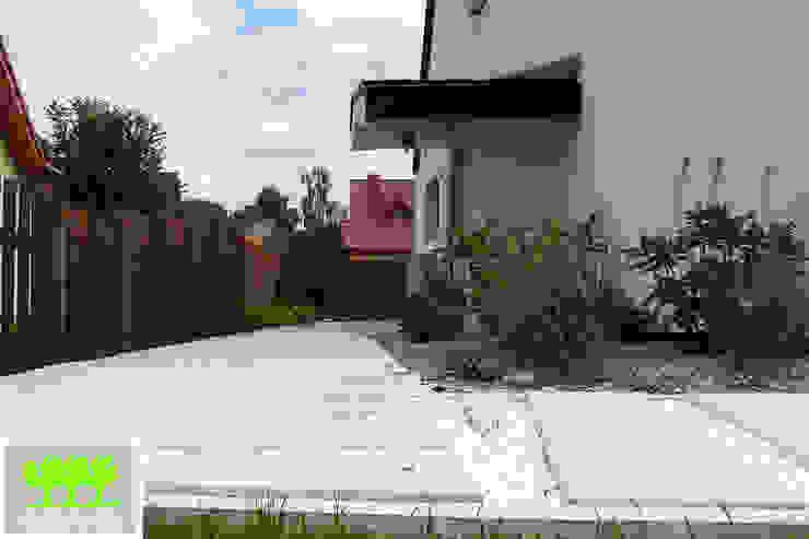 ogród minimalistyczny od 2o2 studio Minimalistyczny