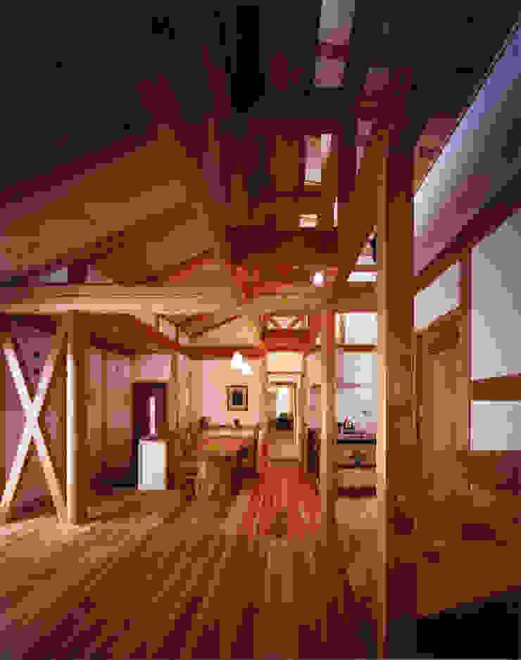 薪塀の家 内観 若夫婦のダイニング 和風デザインの ダイニング の 東山明建築設計事務所 和風