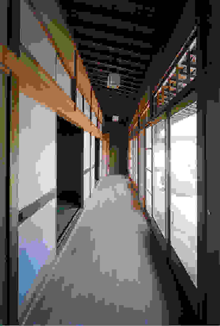 タイトルを入れてください 和風の 玄関&廊下&階段 の MOW Architect & Associates 和風