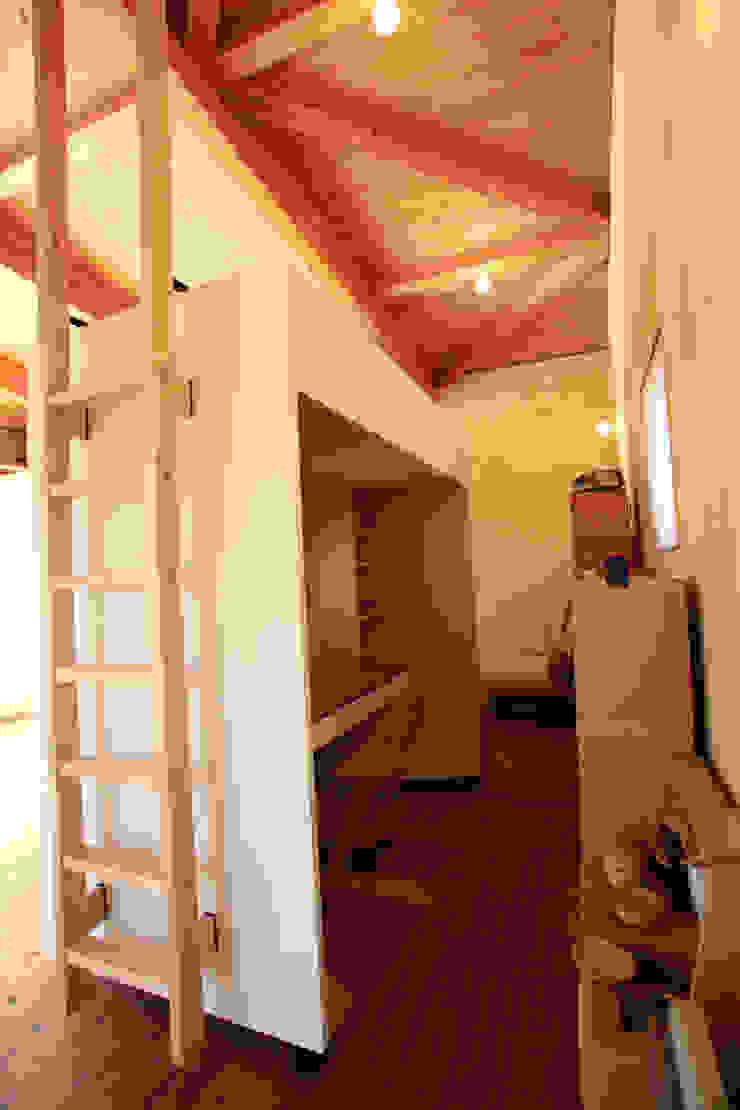 移動家具: 稲吉建築企画室が手掛けた折衷的なです。,オリジナル