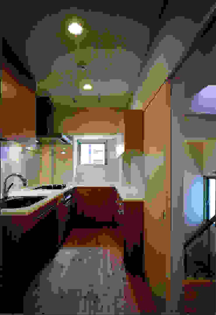 . モダンな キッチン の MOW Architect & Associates モダン