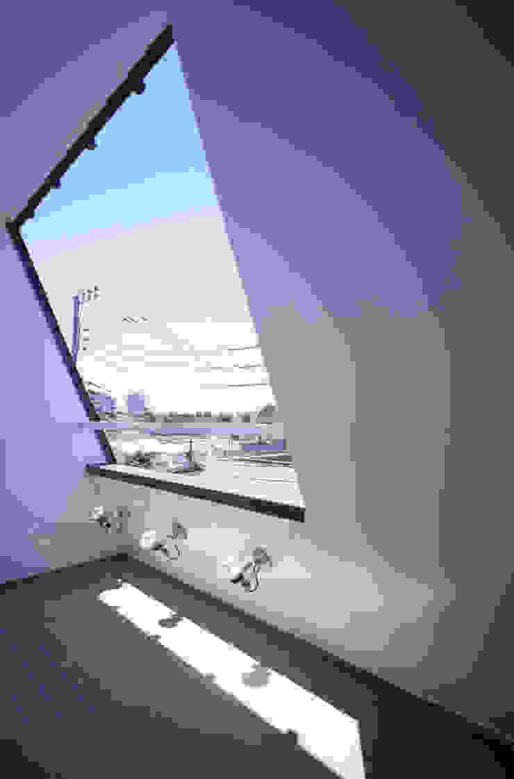 3階テラスからの眺め モダンデザインの テラス の 北川裕記建築設計 モダン
