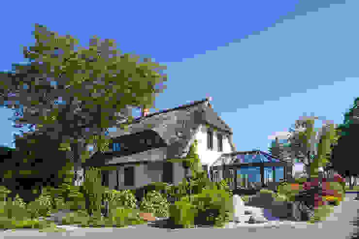 Romantischer Wintergarten Wintergarten im Landhausstil von masson GmbH Landhaus