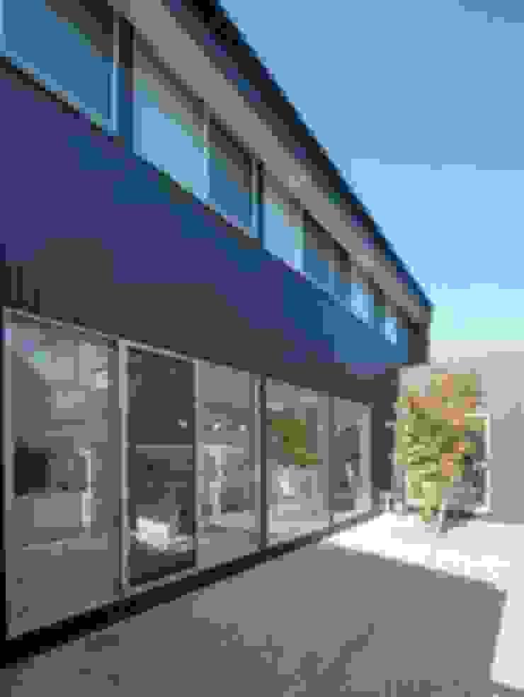 Casas modernas de A-box設計室 Moderno